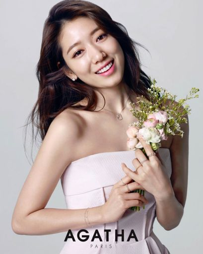 op-hermosas-careanas-asiaticas-bellas-mujeres- drams-tv-movies-entretenimiento-famosos-la vida de park shin hye park shin hye dramas-marcas famosas 2019 ropa- moda-SEOUL, SOUTH KOREA - MARCH 17: South Korean actress Park Shin-Hye attends the autograph session for 'MOJO.S.PHINE' at Lotte Department Store on March 17, 2019 in Seoul, South Korea. (Photo by Han Myung-Gu/WireImage) Agatha Paris – 2014-2016. top-hermosas-careanas-asiaticas-bellas-mujeres- drams-tv-movies-entretenimiento-famosos-la vida de park shin hye park shin hye dramas-marcas famosas 2019 ropa- moda-