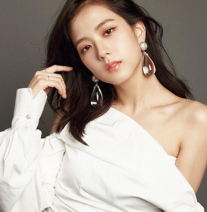 Nuevo drama de Fantasia protagonizado por Jang Dong Gun, Song Joong ki y Kim Ji won-jisoo-blackpink-estrenos-nuevos-2019-dramas-estelares-tvn- tvN